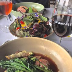 #flashbackfriday to @montaltovineyardandolivegrove for a lunch that we helped gather ourselves from restaurant garden. Perfect setting unbelievable food & of course exceptional wine. The @ultimatewineries Estate to Plate Gourmet Indulgence is a must do if you're on the @officialmorningtonpeninsula . . . #restaurantaustralia #instafood #montalto #foodstagram #wine #visitmorningtonpeninsula #winestagram #ultimatewineryexperience #wandervictoria #longlunch #restaurantgarden