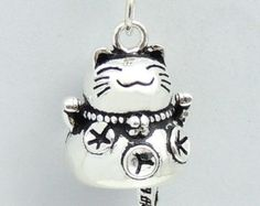 Sterling Silver 925 Stamped Vintage Protection Wealth Lucky Cat Maneki Neko Pendant  WSP204 Wholesale: See Discount Coupons in Item Details