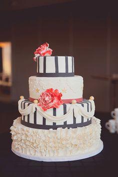 circus-inspired wedding cake, photo by Maria Mack http://ruffledblog.com/pennsylvania-circus-inspired-wedding #weddingcake #circus #cakes