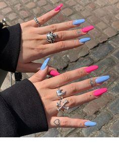 Blue and pink acrylic nails coffin shaped # -. Edgy Nails, Grunge Nails, Stylish Nails, Trendy Nails, Swag Nails, Acrylic Nails Coffin Short, Blue Acrylic Nails, Simple Acrylic Nails, Summer Acrylic Nails