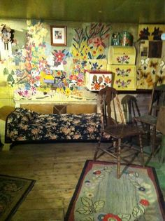 @Laurab0310: @DowntownHalifax I'd love to have a Maud Lewis print from the AGNS! Such an inspirational person. #winwhatyouwis