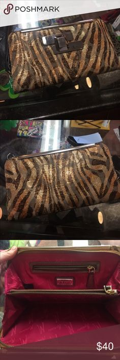 Marciano wristlet Gently used. Can be used as clutch or wristlet. Guess by Marciano Bags Clutches & Wristlets