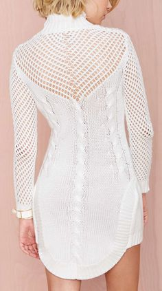 Sweater dress    ♪ ♪ ... #inspiration #diy GB http://www.pinterest.com/gigibrazil/boards/