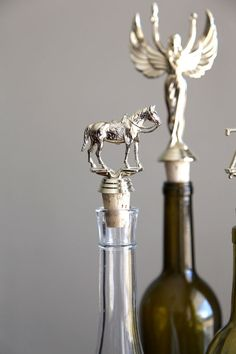 What a great idea for a wine stopper!  LOVE it.