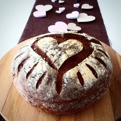 Supersaftiges Buttermilchbrot mit Herz :: Bella-cooks-and-travels Buttermilk Bread, Bear Cakes, Artisan Bread, Fall Desserts, Pampered Chef, Bread Baking, Breakfast Recipes, Bakery, Sweet Treats