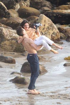 Kendalll Jenner, Kardashian Jenner, Cute Relationship Goals, Cute Relationships, Cute Beach Outfits, Khadra, Shirtless Hunks, The Love Club, Paparazzi Photos