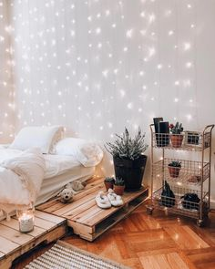 Need ideas for bedroom wall decor for inspiration? We can help with that. We have bedroom wall decor ideas to help you create a cozy and comfy bedroom Bedroom Decor Lights, String Lights In The Bedroom, Room Ideas Bedroom, Cozy Bedroom, Bedroom Inspo, Bedroom Lighting, Design Bedroom, Bedroom Wall Ideas For Adults, Bedroom With Fairy Lights