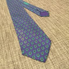Hermes Tie Hermes tie clover pattern. Navy blue and green. No stains Hermes Accessories