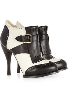 McQ Alexander McQueen  Two-tone leather ankle boots  415€