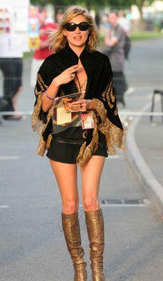 Hoy 16 de enero Kate Moss cumple 40 años… � Es una de las modelos más retratadas: ha protagonizado miles de portadas y producciones de moda, ha prestado su imagen para las campañas más prestigiosas y sus estilismos street son los más perseguidos. Aquí os dejo 40 de los mejores looks (podrían ser 400!) de […]