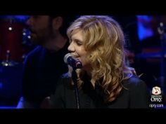 "Alison Krauss & Jamey Johnson - ""Make The World Go Away"""