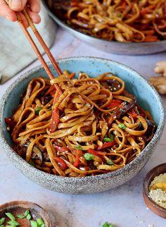 Vegan Dinner Recipes, Delicious Vegan Recipes, Vegan Dinners, Veggie Recipes, Whole Food Recipes, Vegetarian Recipes, Cooking Recipes, Healthy Recipes, Asian Noodle Recipes