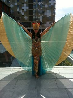 Now that is one unforgettable Cleopatra costume!