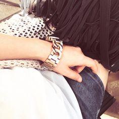 Fringes & Gold Fringes, Bracelets, Gold, Jewelry, Fashion, Bangles, Jewellery Making, Moda, Arm Bracelets