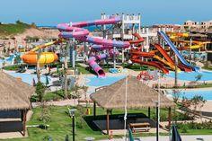De 10 beste hotels met een aquapark. Heel wat hotels op populaire vakantiebestemmingen pronken met aquaparken: reusachtige kinderparadijzen met zwembaden, glijbanen en andere waterattracties. En dat allemaal zonder ook maar één voet uit je hotel te moeten zetten. Wij zetten de 10 toppers voor je op een rij.