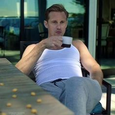 "The Emmy Goes To…. Alexander Skarsgard's Peen For Its Performance In ""Big Little Lies"""