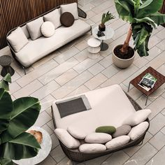 Aston is a family of individual pieces, including a sofa, daybed, armchairs, poufs and chairs, custom-designed to furnish homes and public spaces with style and elegance, allowing the conversation to continue between indoor and outdoor.