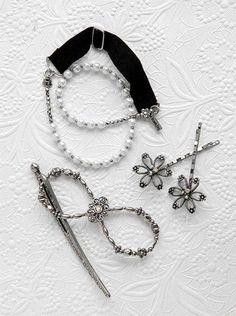 Lilla Rose has great matching accessories! www.lillarose.biz/emilylbug