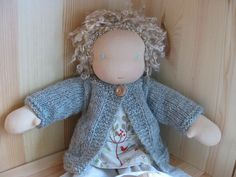 cute (free!!) cardigan pattern for waldorf dolls!