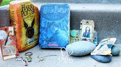 ALWAYS ( Blog Hop Friends) presenta: libros en tabiques   Tengo mucho cariño por este proyecto de Blog Hop Friends porque es una forma de celebrar esos libros pelis y series que nos hacen vibrar y querer ser parte de ellos.....  Adela está festejando el aniversario de su blog y su cumple habrá varios premios 3 sobrecitos scraperos que serán sorteados entre quienes completen todos los saltos y un libro de Harry Potter para colorear que se sorteará entre quienes participen en el mini reto este…