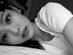 The perfect JennieKim Blackpink Bed Animated GIF for your conversation. Discover and Share the best GIFs on Tenor. Kim Jennie, Yg Entertainment, South Korean Girls, Korean Girl Groups, Mamamoo, Gif Kpop, Blackpink Fashion, Womens Fashion, Chanel Fashion