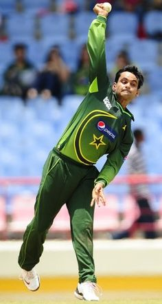 Mohammad Hafeez Out of Cricket World Cup 2015