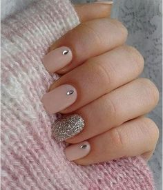 Nail Designs for Spring Winter Summer Fall. Don't worry if you are a beginner and have no idea about the nail designs. These pink nail art designs for beginners will help you get ready for your date Cute Pink Nails, Pink Nail Art, Pretty Nails, Gorgeous Nails, Pink Art, Simple Nail Art Designs, Cute Nail Designs, Acrylic Nail Designs, Acrylic Nails