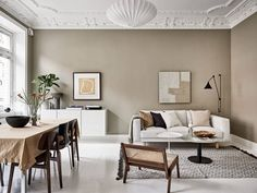 Now that fall weather seems to be all we are getting here in Munich, I'm really drawn to tints of brown and beige like in this stunning Swedish interior. The warm beige walls in the living room go very nicely … Continue reading → Swedish Interiors, Scandinavian Interior, Brown Walls, Beige Walls, Room Inspiration, Interior Inspiration, Living Room Designs, Living Room Decor, Interior Design Living Room Warm