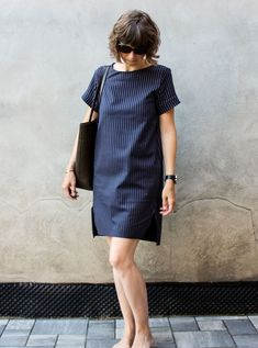 Best 12 Inari in Blue Skipper von Zuleeg – Mein gewisses Etwas – SkillOfKing. Linen Dresses, Modest Dresses, Simple Dresses, Casual Dresses, Short Sleeve Dresses, 60 Fashion, Fashion Wear, Fashion Dresses, Minimalist Dresses