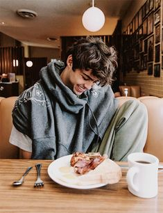 Read enough of the fighting from the story noah centineo imagines by centineobaby (ells ♡👩🏼🎨✨) with reads. 『 you and noah fig.