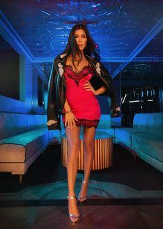A coleção super sexy e glam da Kourtney Kardashian para Pretty Little Things