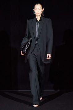 Balenciaga Fall 2019 Ready-to-Wear Fashion Show - Vogue Women's Runway Fashion, Paris Fashion, Mens Fashion, Fashion Trends, Fall Fashion, Fashion Weeks, Business Outfit Damen, Balenciaga Spring, Looks Street Style