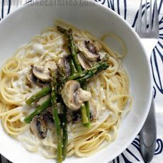 Roasted Asparagus and Mushroom in Lemon-Cream Sauce Recipe AND Guiltless Creamy Alfredo Recipe Mix Asparagus and Mushroom with Linguini and Alfredo for a delicious pasta dish Can't wait to make this!