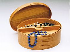 Handmade Shaker style oval box *** I would use this for a sewing box instead of a jewelery box! Jewelry Box, Jewelery, Workshop, Shaker Furniture, Thanks Mom, Sewing Box, Shaker Style, Hobbies And Crafts, Wooden Boxes
