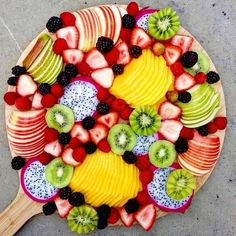Don't know about your kids, but I know mine will clean this up in 5 minutes flat. Looks delicious 🍉🍇🍎🍓 Fruit And Veg, Fresh Fruit, Fruit Platter Designs, Fruit Presentation, Party Food Platters, Fruit Platters, Eat And Go, Charcuterie And Cheese Board, Grazing Tables