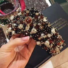 This is a beaded crown, but I love the texture and color combination. These sorts of beads would make a great cuff. Hair Jewels, Hair Beads, Bridal Headdress, Bridal Headpieces, Hair Barrettes, Headbands, Dress Dior, Diy Crown, Ribbon Hair Bows