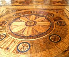 凝った模様の美しい寄木細工の床③
