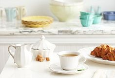 if you have a French Provincial kitchen, this dishware is for you~