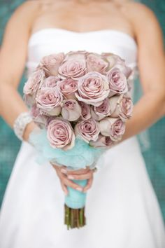 pale purple rose bouquet