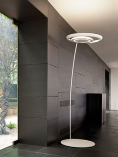 Leija Floor Lamp by Axo Light | UTLEIJAXBCXXFLE