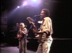 Talking Heads - Cities (Live 1983 - HD)
