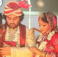 Arijit Singh divorced his first wife and later got married to Koel Roy. The singer has always tried to keep his personal life away from media and limelight. Music Love, Music Is Life, Good Music, Marriage Stills, Indian Wife, Indian Music, Hottest Male Celebrities, Bollywood Wedding, Music Composers