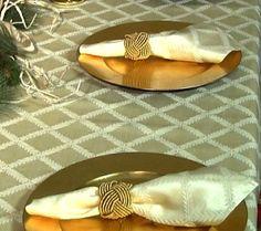 Lenox Laurel Leaf Stain Repellent Table Cloth Napkin Set
