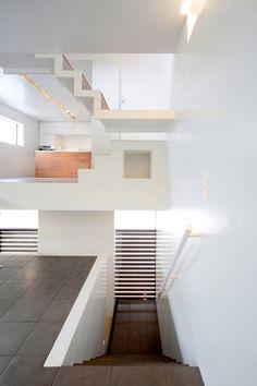 Amazing interior elevation of a house in Senri - Shogo Iwata