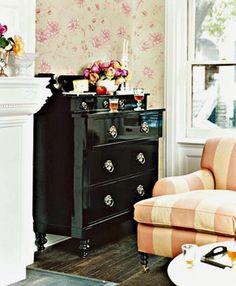 liquid black dresser...liquid love!