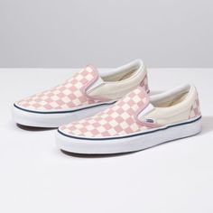 Browse bestselling Shoes at Vans including Women's Classics, Slip-On, Surf and Sandals. Shop at Vans today! Vans Classic Slip On, Tenis Vans Classic, Vans Slip On, Slip On Sneakers, Slip On Shoes, Flat Shoes, Shoes Sneakers, Platform Shoes, Converse Shoes