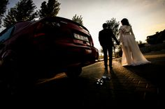 Un mic articol despre cum sa alegi un fotograf de nunta aici: http://crownstudio.ro/cum-sa-alegi-un-fotograf-de-nunta/