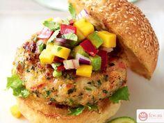 Полезный гамбургер с креветкой и фруктово-овощной сальсой https://www.fcw.su/blogs/kulinarnye-yeksperimenty/poleznyi-gamburger-s-krevetkoi-i-fruktovo-ovoschnoi-salsoi.html  Многие из нас обожают гамбургеры. Однако всем нам известно, что еда эта считается крайне вредной. Гамбургер входит в стереотипное представление о фаст-фуде, от которого можно растолстеть до безобразных размеров. Можно ли найти компромисс, полакомившись вкуснейшим гамбургером и при этом не употребив огромное количество…