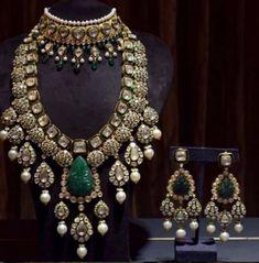 Buy Jewellery Online in India Indian Jewelry Earrings, Indian Jewelry Sets, Indian Wedding Jewelry, Bridal Jewelry Sets, Gold Jewellery, Bridal Jewellery, Branded Jewellery, Royal Jewelry, Jewelery