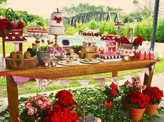 Dessert table red and white